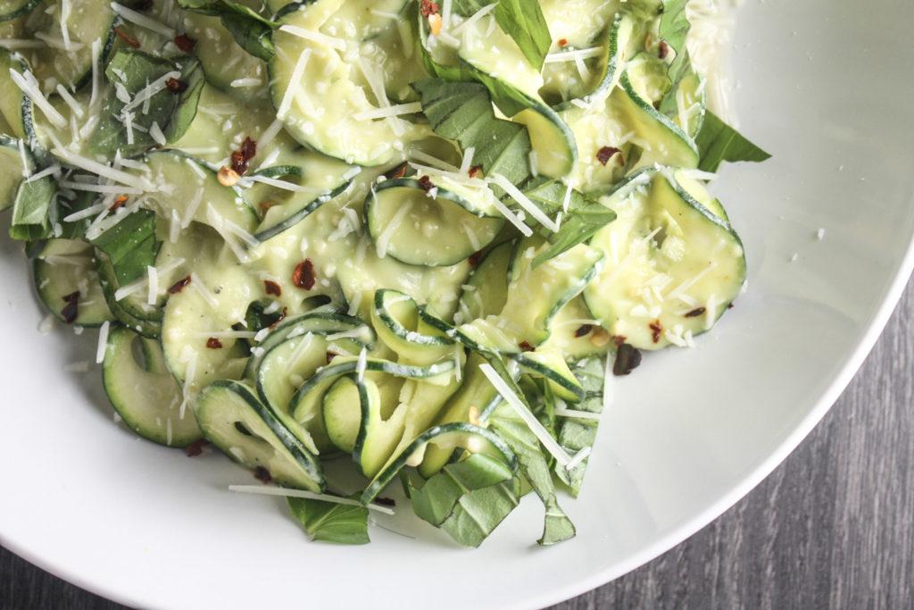 Zucchini Noodles with Avocado Sauce recipe | #lowcarb #ketogenic | mincerepublic.com