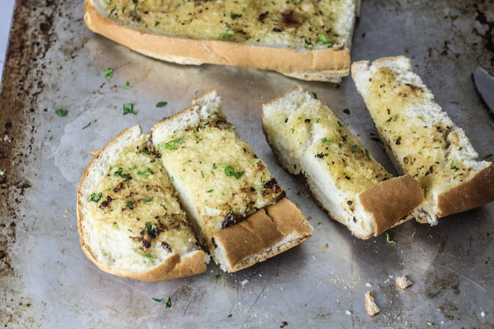 Roasted Garlic Bread recipe via Mince Republic