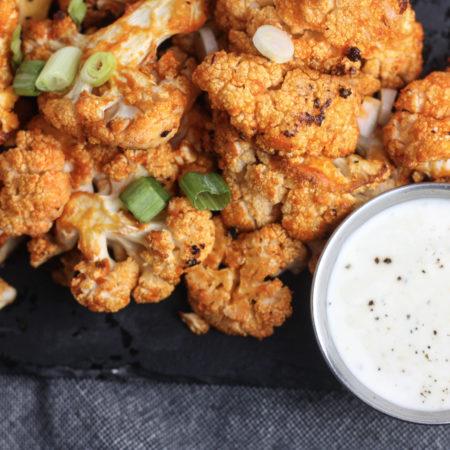 Buffalo Cauliflower Recipe, great recipe for game day! |healthy, ketogenic, paleo | mincerepublic.com