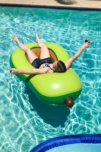 How to Throw the Ultimate Pool Party | A comprehensive guide to throwing the best pool party of your life | mincerepublic.com