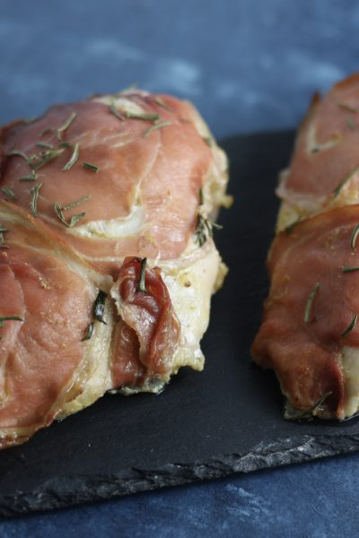 Prosciutto Wrapped Chicken with Rosemary | #lowcarb #paleo #keto | mincerepublic.com