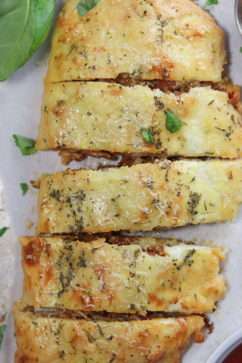 Pepperoni & Sausage Pizza Calzone Recipe | #lowcarb #keto | mincerepublic.com