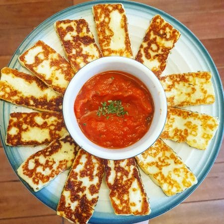 halloumi cheese with sauce