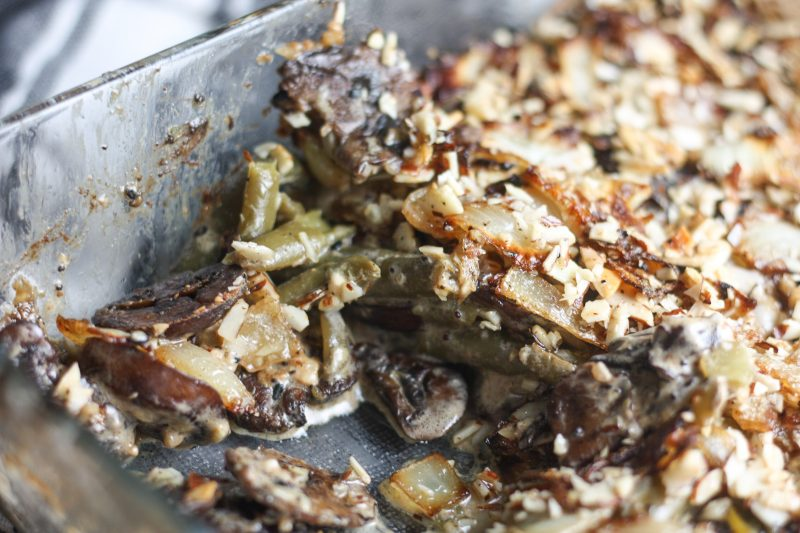 Green Bean Casserole recipe | Easy #keto #lowcarb side dish, great for Thanksgiving | mincerepublic.com