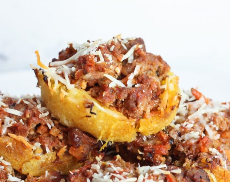 Spaghetti Squash & Bolognese Muffins Recipe | A great way to use up your spaghetti leftovers! #keto #lowcarb #paleo | mincerepublic.com