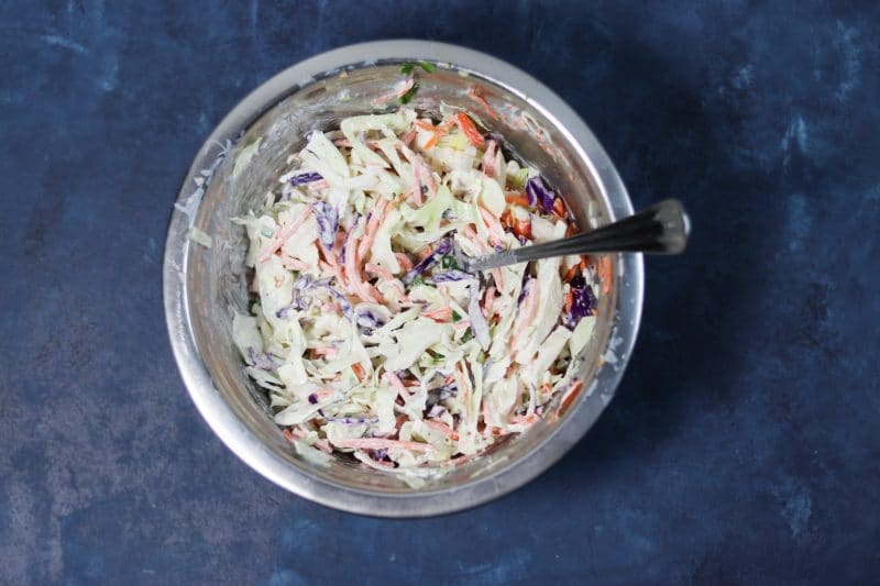 Low Carb Coleslaw Recipe | Easy healthy #lowcarb & #ketofriendly coleslaw recipe with no sugar and no mayo | mincerepublic.com