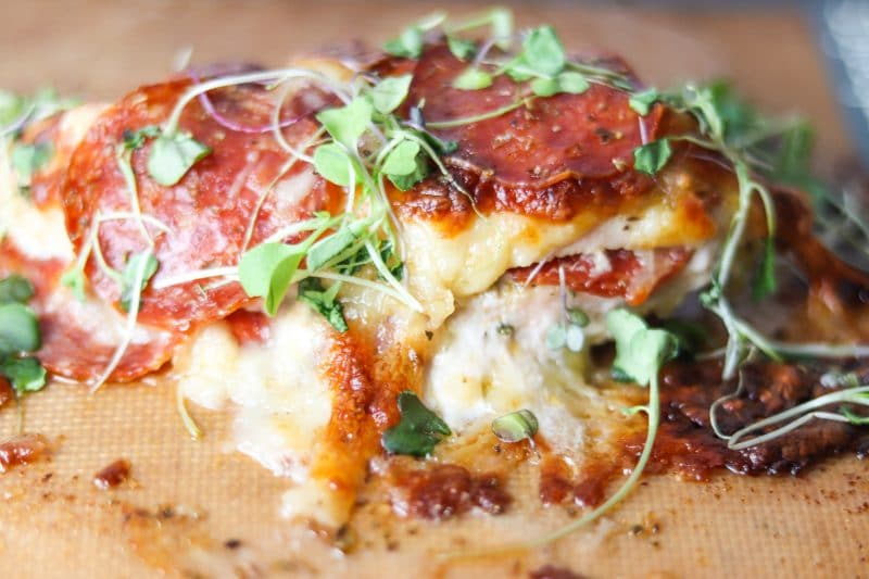 Pizza Chicken Recipe | Quick & easy #keto #lowcarb dinner, pepperoni pizza chicken | mincerepublic.com