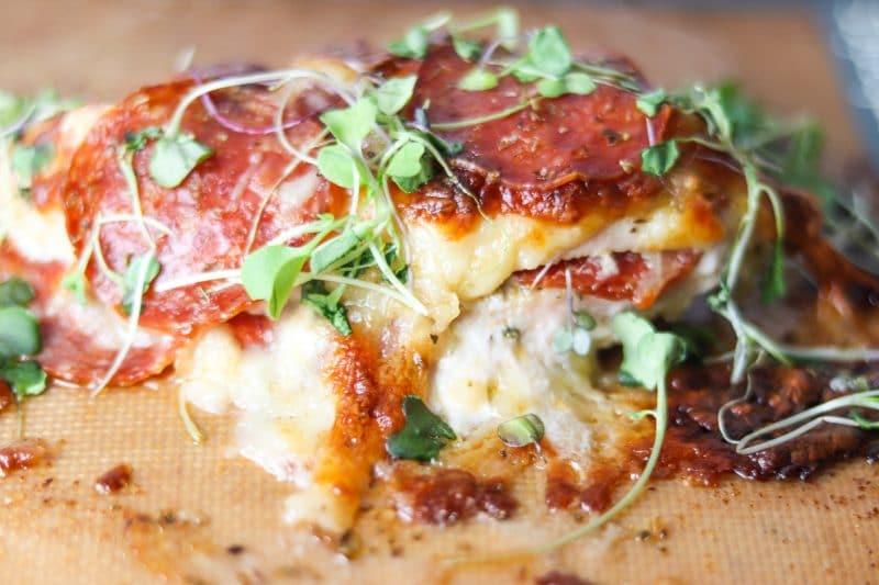 Pizza Chicken Recipe | Quick & easy #keto #lowcarb dinner, pepperoni pizza chicken | mincerepublic.com