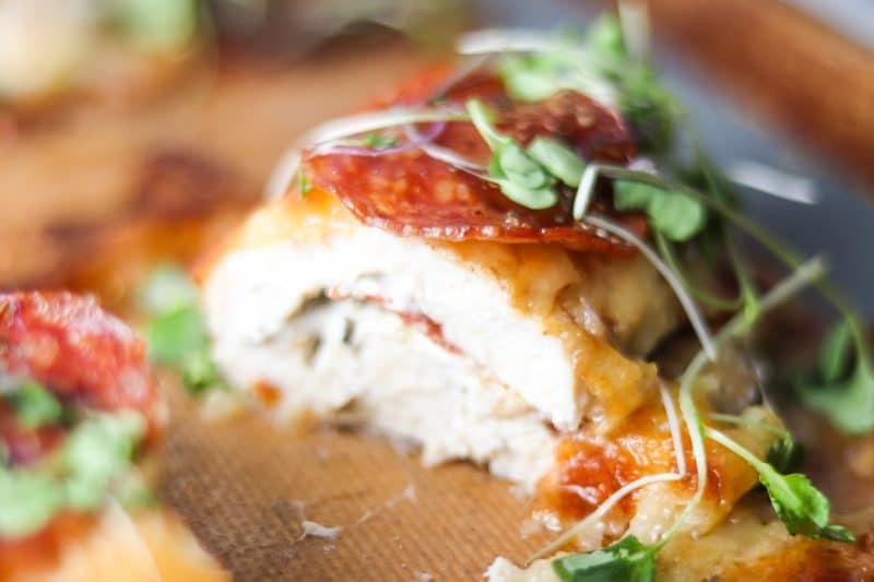 Pizza Chicken Recipe   Quick & easy #keto #lowcarb dinner, pepperoni pizza chicken   mincerepublic.com