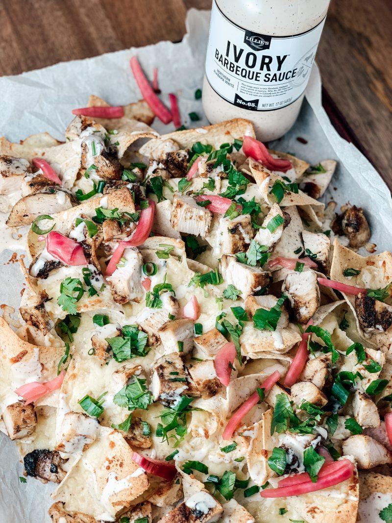 Alabama White Sauce Chicken Sheet Pan Nachos | #keto #paleo #lowcarb #gameday | mincerepublic.com