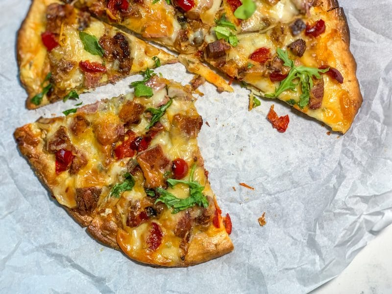 Brisket Pizza with Cherry Peppers and Arugula | #keto #lowcarb crust option | mincerepublic.com