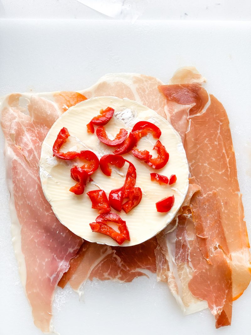 Prosciutto Wrapped Brie with Cherry Peppers recipe | #keto #lowcarb | mincerepublic.com