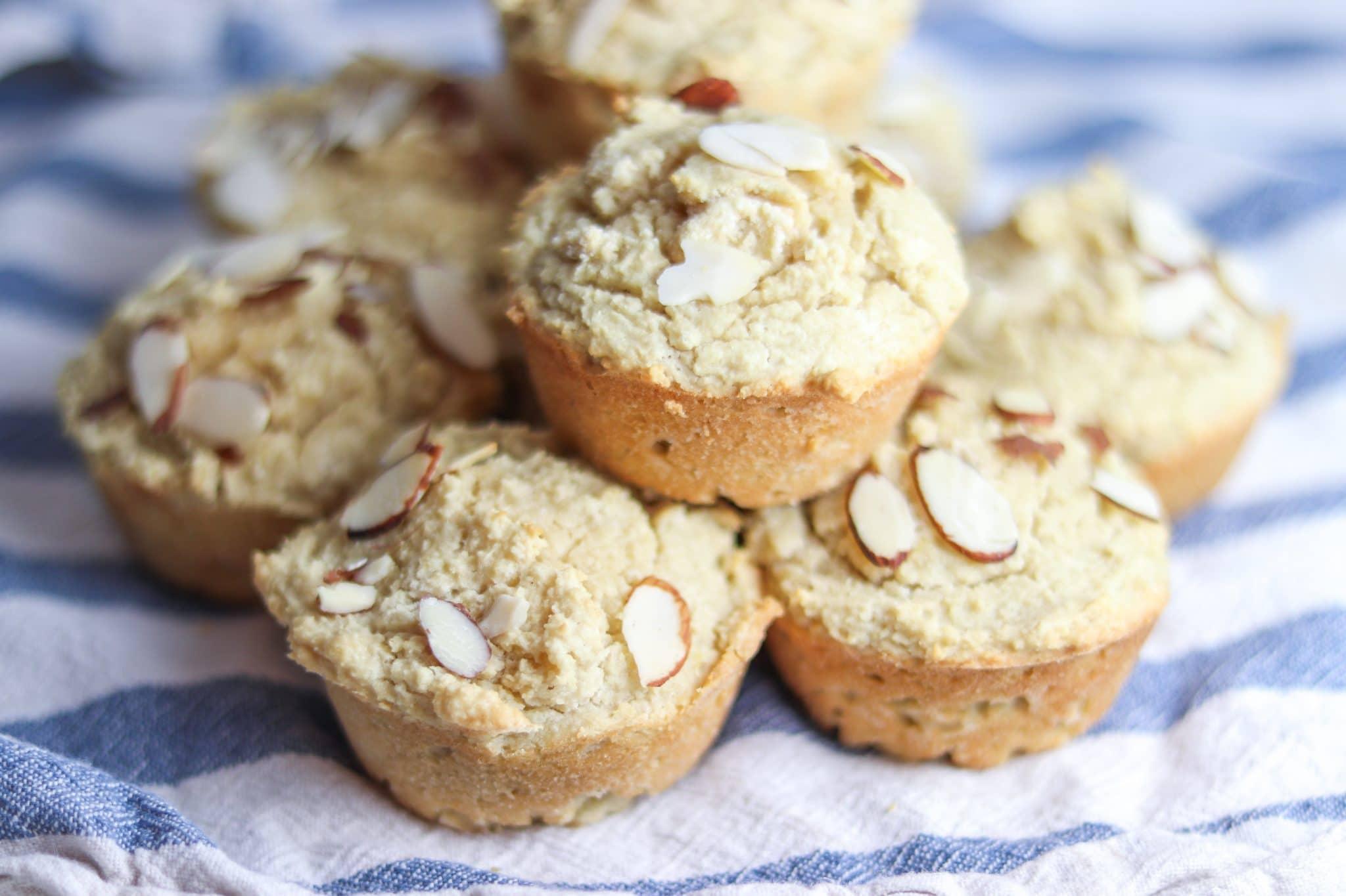 Lemon Almond Muffins   #paleo #keto #lowcarb   mincerepublic.com